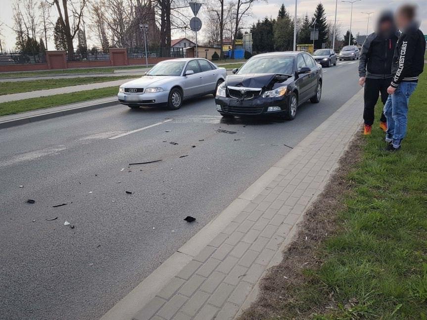 Kolizja w Krośnie. Zderzyły się cztery samochody osobowe