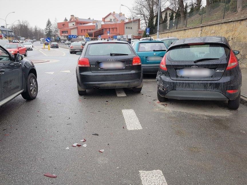 Krosno. Kolizja drogowa z udziałem czterech samochodów osobowych