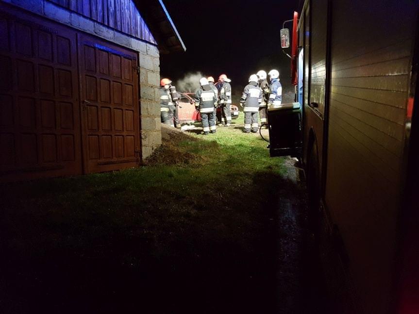 Pożar samochodu osobowego w Korczynie