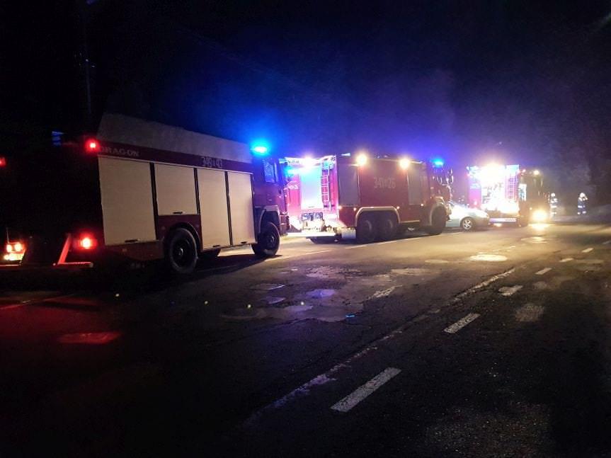Pożar w Węglówce. Spłonął samochód dostawczy