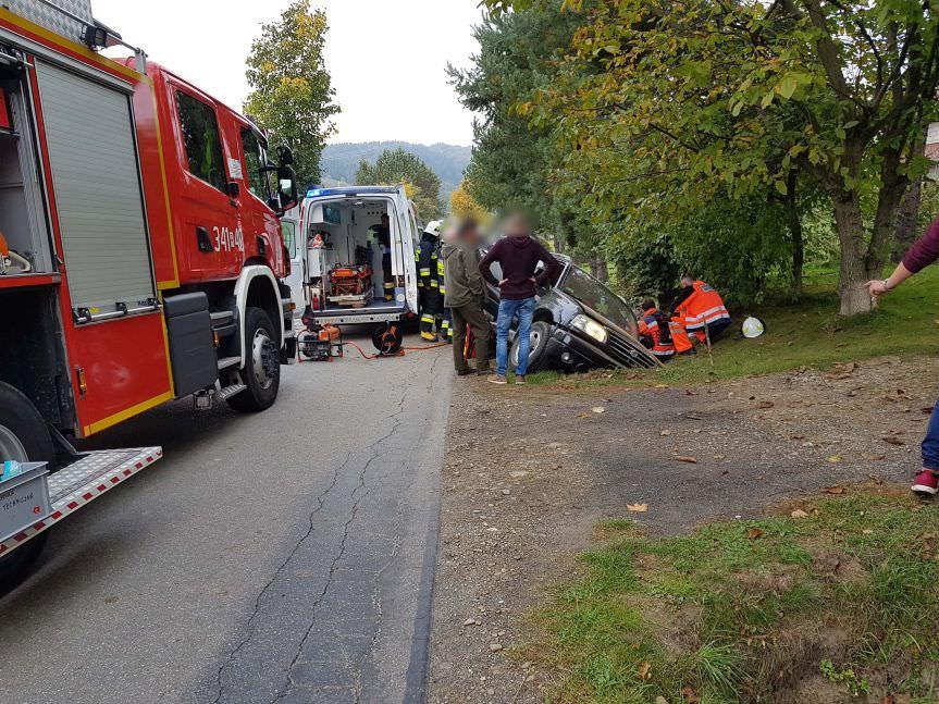 Wypadek drogowy w Węglówce