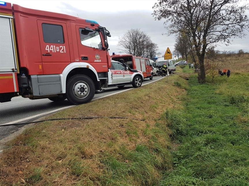 Wypadek na DW 992 w Świerchowej
